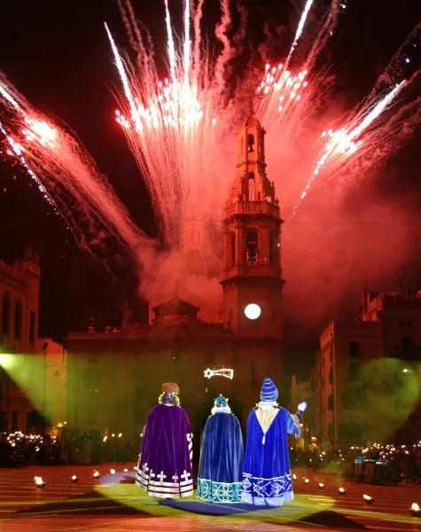 Fotos de Alcoy, Cabalgata de Reyes Magos adoracion