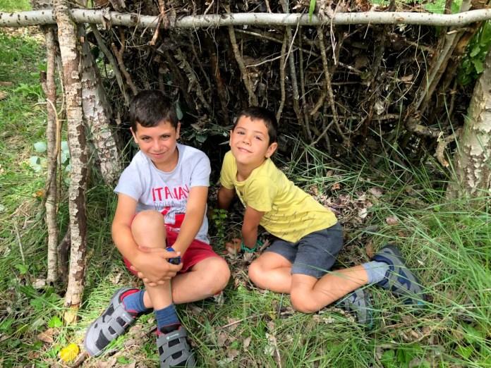 Fotos de Aragón, Teo y Oriol supervivencia Ayerbe