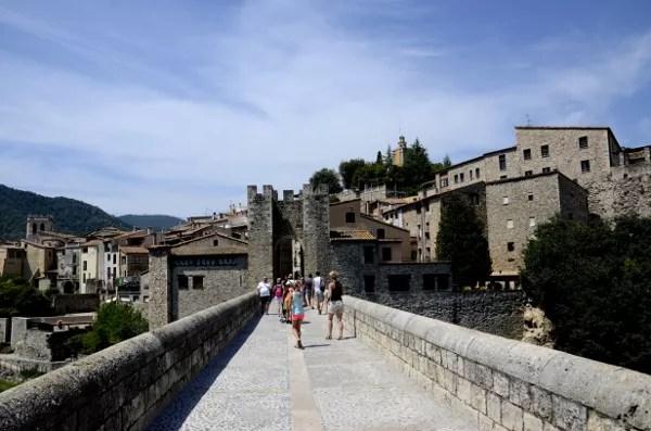Fotos de Besalu en la Costa Brava, puente medieval