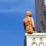 Fotos de Dubrovnik en Croacia, estatua calle Stradun