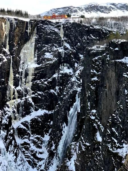 Fotos de Eidfjord en Noruega, cascada Voringsfossen