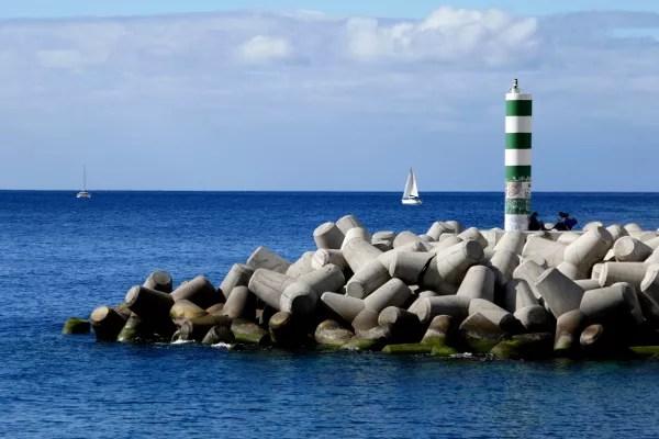 Fotos de Madeira, puerto y faro de Funchal