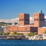 Fotos de Oslo, ayuntamiento desde el fiordo