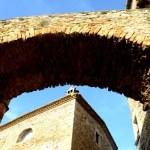 Fotos de Pals en la Costa Brava, torre y arcada