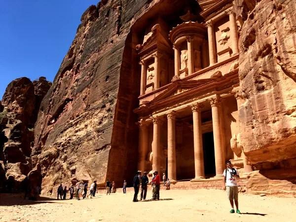 Fotos de Petra en Jordania, Pau en la fachada del Tesoro