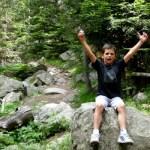 Fotos de Pirineo de Lleida, Teo levanta los brazos en Aiguestortes