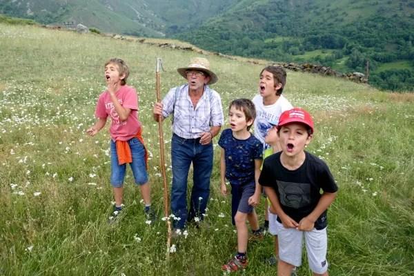 Fotos de Pirineo de Lleida, Teo y Oriol niños pastor