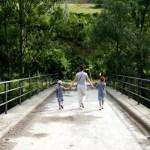 Fotos de Pirineo de Lleida,Vero, Teo y Oriol Escalo puente