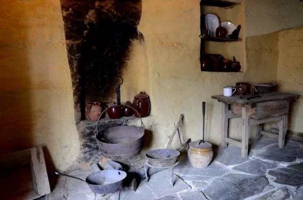 Fotos de Romangordo en Caceres, interior Ecomuseo Casa del Tio Cascoles