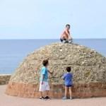 Fotos de Salou, Teo y Oriol en el monticulo