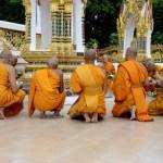 Fotos de Tailandia - crucero desde Ayutthaya, monjes en el Wat Bangkhla