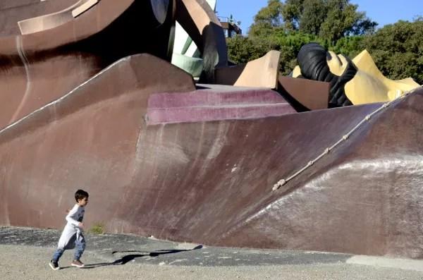 Fotos-de-Valencia-Teo-en-el-parque-Gulliver ▷ 10 lugares imprescindibles con niños en Valencia