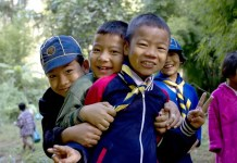Fotos de viajes a Tailandia con niños y NaaiTravels, niños