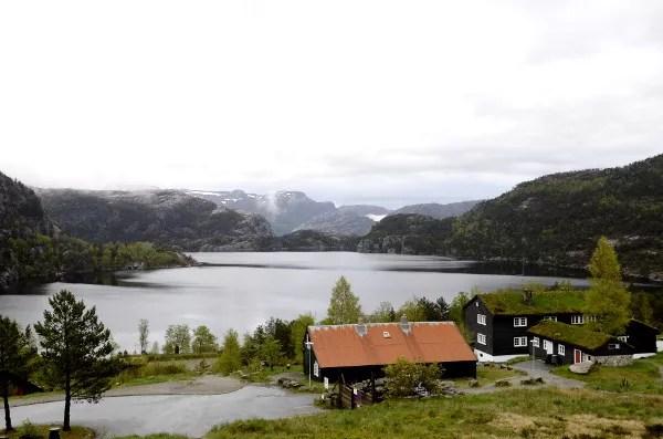 Fotos del Púlpito en los Fiordos Noruegos, Lago Revsvatnet