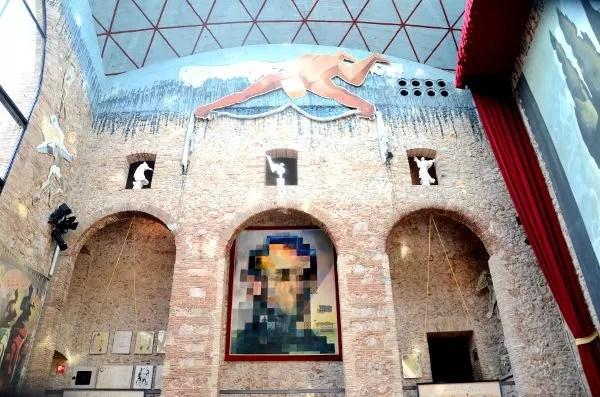 Fotos del Teatro-Museo Dalí de Figueres. Lincoln