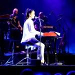 Fotos festivales Costa Brava, Julieta Venegas piano