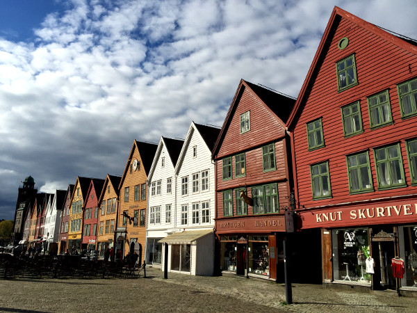 Viajar a los Fiordos Noruegos: qué lugares visitar y excursiones recomendadas