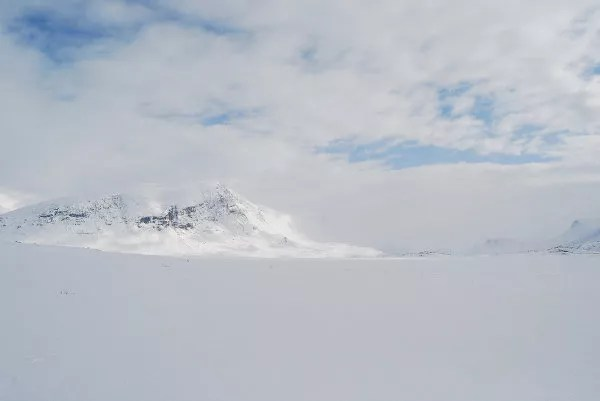 Hacia el refugio de emergencia en Laponia Sueca