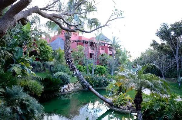 Jardines del Hotel Barceló Asia Gardens