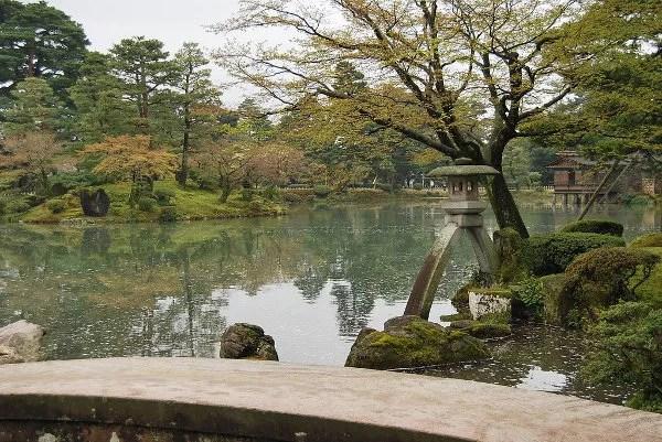 Linterna Kotojitoro del Kenroku-en de Kanazawa