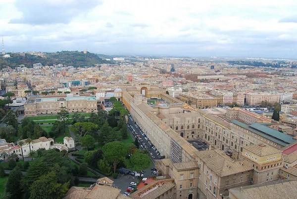 Los Museos Vaticanos desde la cúpula de la Basílica de San Pedro
