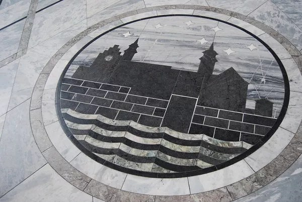 Mosaico del suelo del Ayuntamiento de Oslo