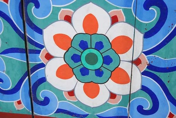 Motivo decorativo en el templo Jogyesa de Seúl