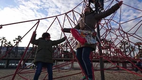 Fotos de Barcelona con niños, playa de la Barceloneta