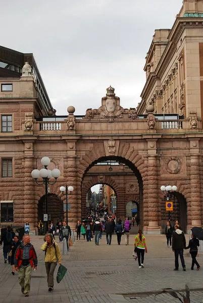 Saliendo del Gamla Stan de Estocolmo