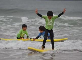 Surf en las playas de Somo, Cantabria