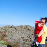 Teo y Vero en el campo de lava del Laki