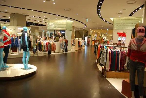 Tiendas de ropa en los grandes almacenes Shinsegae de Busan
