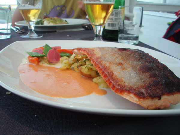 Trucha ártica con verduras