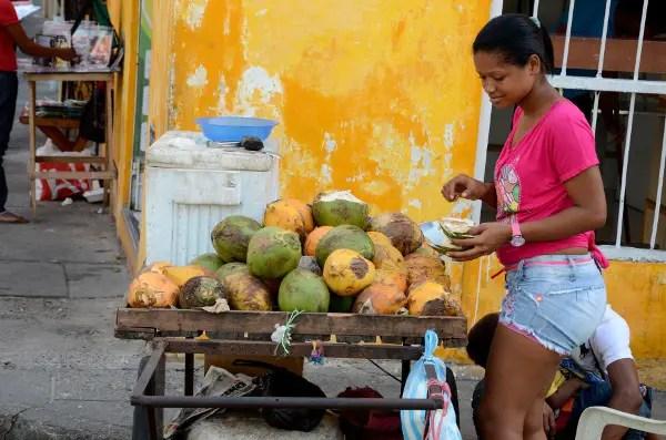 Vendedora de fruta en Cartagena de Indias