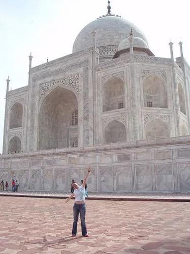 Vero ante el Taj Mahal