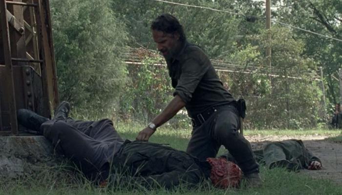 Rick y un muerto The Walking Dead El Palomitrón