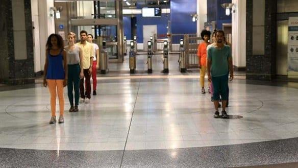 Las actuaciones tienen lugar en todas las estaciones de la Línea Roja de Metro. Foto: Natalie Metzger.