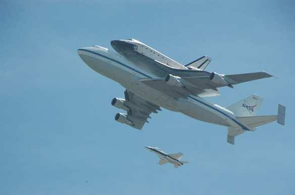 El Endeavour rumbo a su destino final, en California. Foto: Luis Inzunza/Metro.