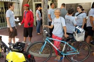 En la línea de meta, durante un recorrido guiada en la Semana de la Bicicleta.