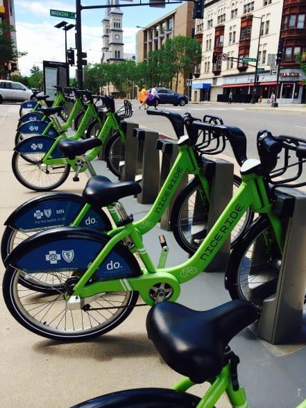 Una estación de bicicletas compartidas en St. Paul. Foto: Joseph Lemon/Metro.