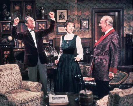 """Rex Harrison y Audrey Hepburn en la película musical de 1964, """"My Fair Lady""""."""