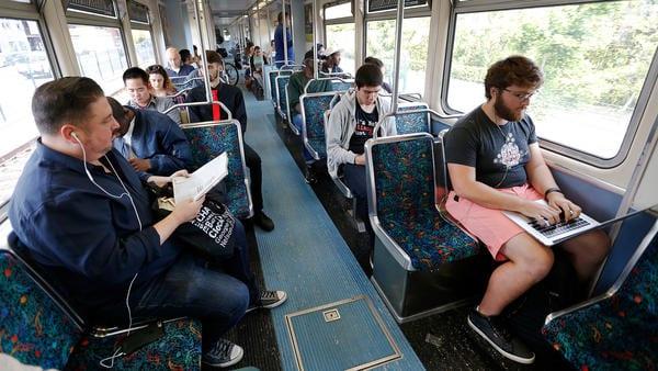 Pasajeros de la Línea Expo. Foto: LATimes.