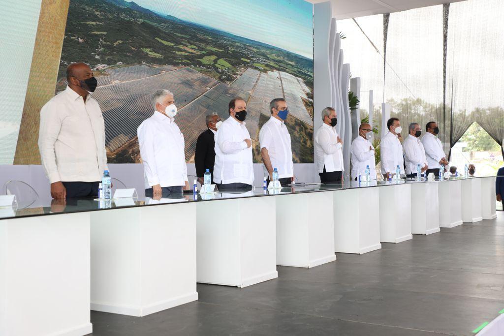 EGE Haina inaugura el Parque Solar Girasol