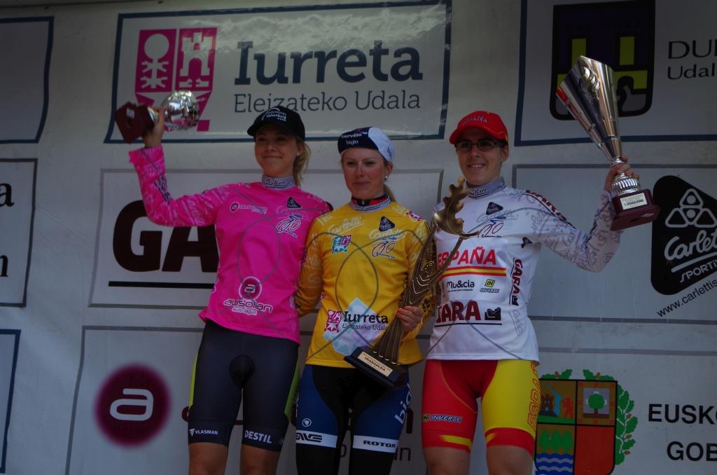 Lepistö (centro), ganadora en Iurreta. Foto © Saúl Miguel