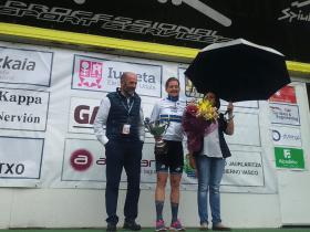 Emma Johansson en el podio de la primera etapa de la Bira. Foto © CiclismoFem - El Pelotón