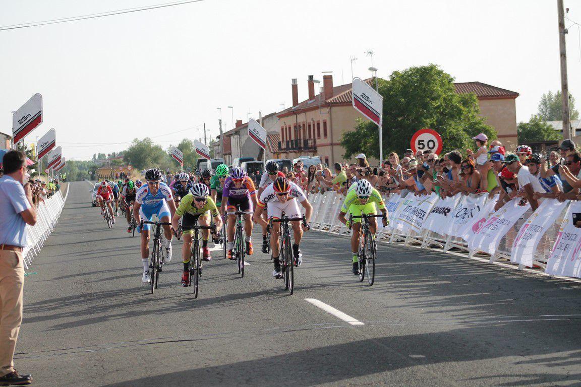 Pelegri se llevó el triunfo en Quintana de Rueda de la 1ª etapa de la Vuelta a Léon (Foto: @cfbuitron - sportleon.com)
