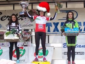 Podio del Campeonato de Euskadi de mañana (dramatización). Base: © Bizikleta.com