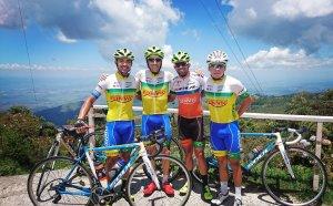 Jordi Simón durante un entrenamiento con sus compañeros. Fuente: Twitter Jordi Simón
