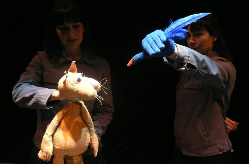 El gato manchado y la golondrina Sinhá de El Retablo