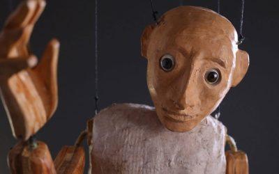 Colgando de un hilo de Di Filippo Marionette